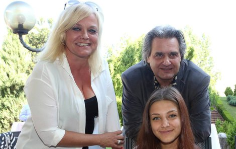 Mayerová s Bourou spolu trávili 24 hodin denně. Teď už je spojuje především dcera Agáta.