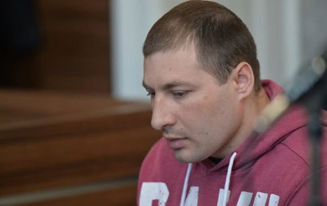 Soud Astapčuka poslal na 17 let do vězení.