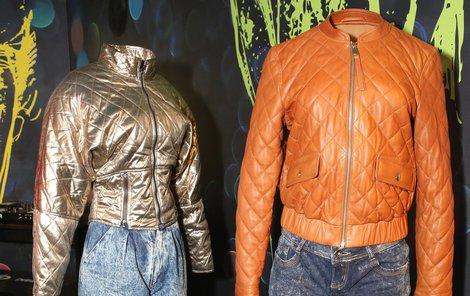 1990 - (vlevo) Bunda zpěvačky Heidi Janků společně s mrkváčovými džíny plísňového vzoru z 2. poloviny 80. let. A dnes se nosí takřka to samé.