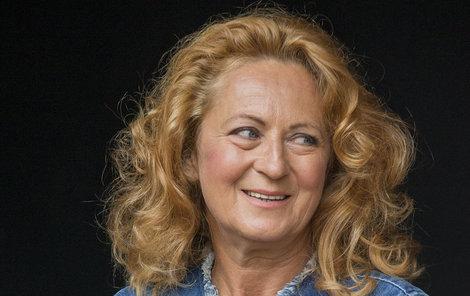 Simona Stašová stárne s grácií.