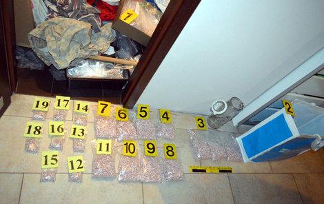 Policisté zabavili přes 40 kilogramů drog.
