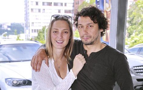 Bára Poláková a Pavel Liška se těší z prvního společného potomka.