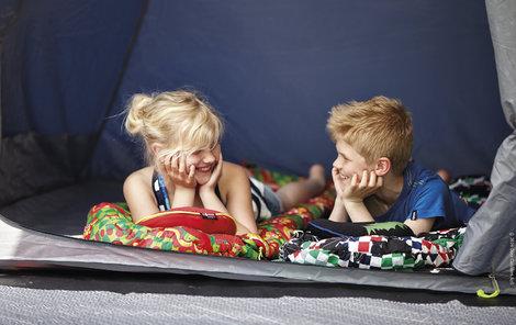 Při výběru stanů zohledněte i to, zda s vámi v něm budou spát děti.