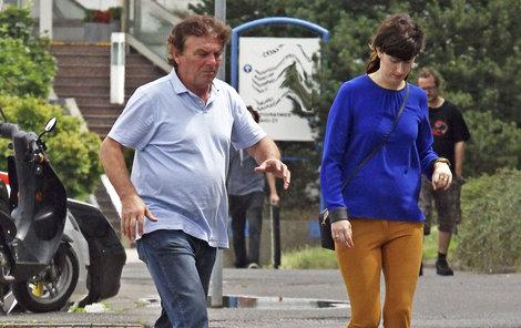 Pavel s Monikou budou mít zanedlouho stejná břicha.