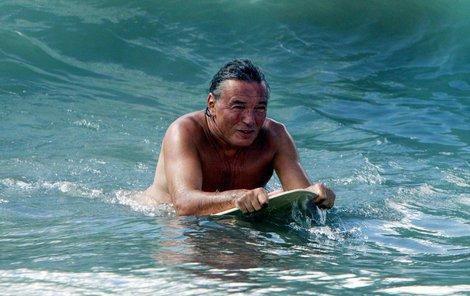 Karel Gott si užívá dovolenou u moře!