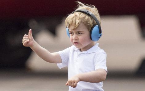 Starostlivá Kate mu sehnala pořádná sluchátka a bylo po pláči!