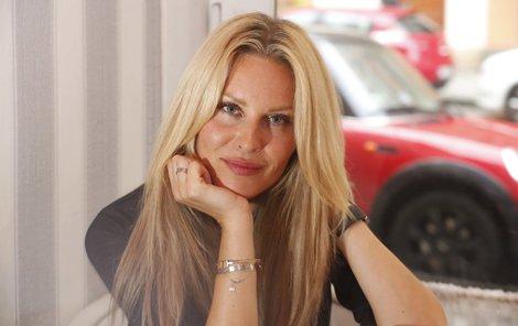 Simona Krainová má raději své tři kluky než vaření.