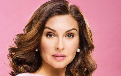 Herečka Dana Morávková je krásná žena a taky velká parádnice.