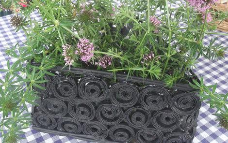 Do košíku můžete zasadit květiny.