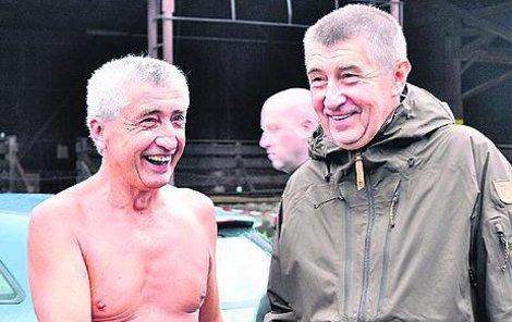 Když se ti dva viděli prvně, museli se smát, jak jsou si podobní.