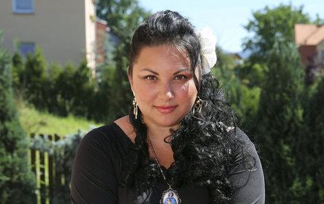 Čarodějka Evelyn z Děčína kouzlí se zlatem.