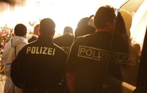 Uprchlík odpálil bombu v bavorském Ansbachu. Zranil přitom desítky lidí.