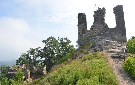 Na Andělské hoře stojí zřícenina středověkého hradu Engelsburg.