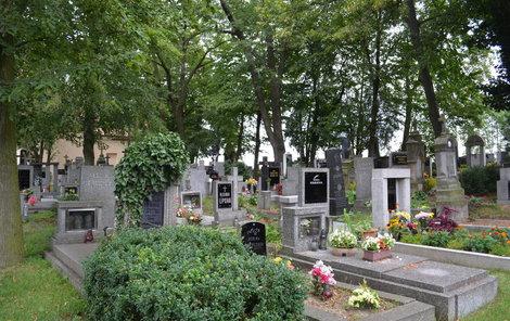Duch hraběnky prý sténá mezi hroby.