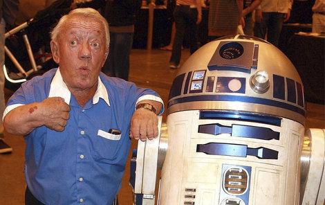 Zemřel Kenny Baker, představitel robota R2-D2 z Hvězdných válek.
