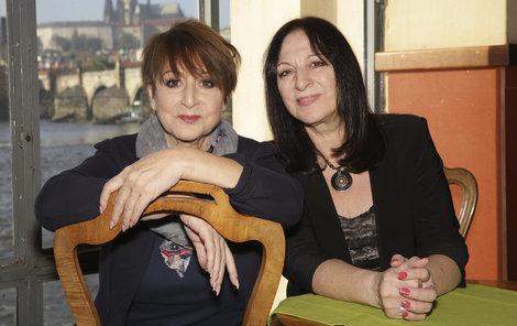 Martha a Thena Elefteriadu. Sestry jsou si velmi blízké. Společně vyrůstaly v dětském domově a jsou zvyklé celý život spoléhat jedna na druhou.