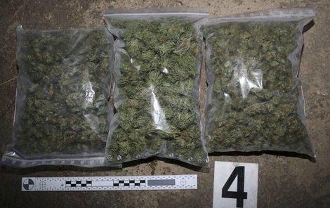 Policie zabavila 3 kila trávy...