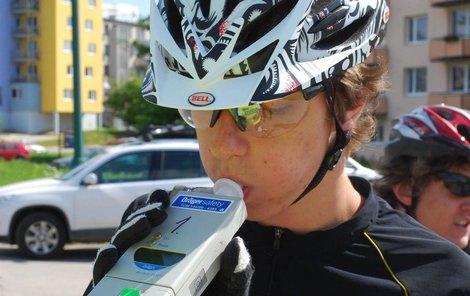 Cyklisté se ale kontrol nezbaví.