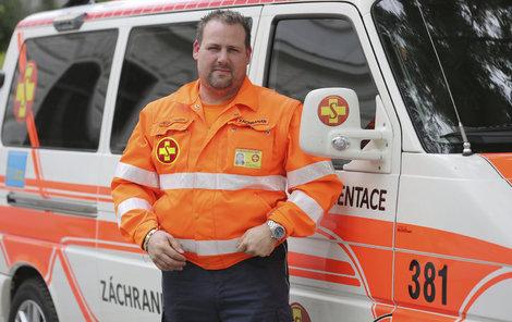Michal Milbauer je záchranář v reálném životě i v seriálu.