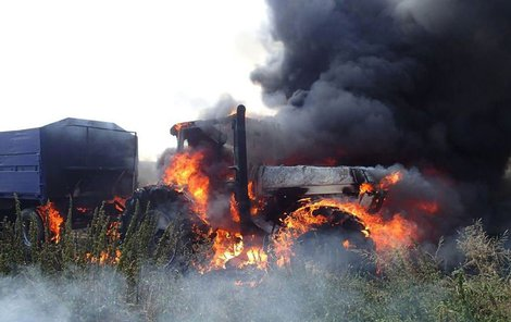 Majitel traktoru odhadl škodu na 900 tisíc.