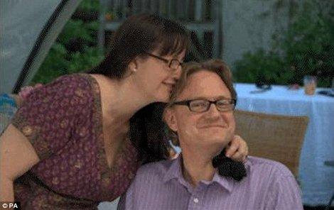 Manželé se objímali i po smrti.