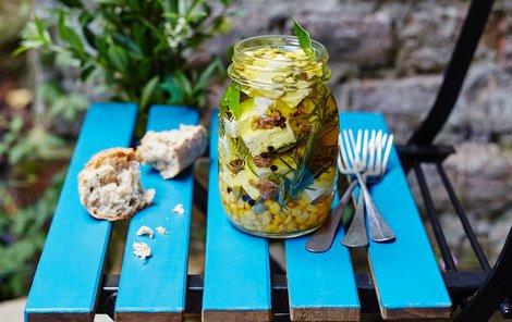 Naložte si zeleninu v balkánském stylu.