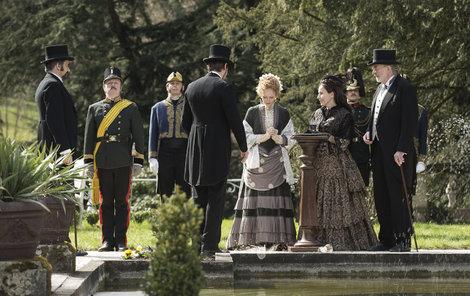 Uniformy císařského dvora byly zapůjčeny ve Vídni.