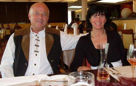 Lubomír a Vlaďka si po emigraci otevřeli hotel v Alpách.