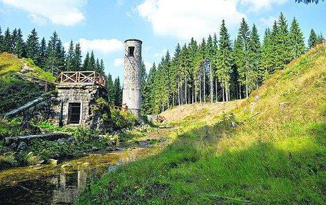 Torza přehrady je dnes oblíbeným cílem výletníků.