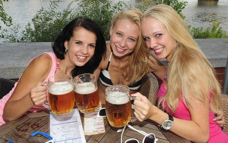 Pivo Češi milují, ale jeho zdražování již ne!