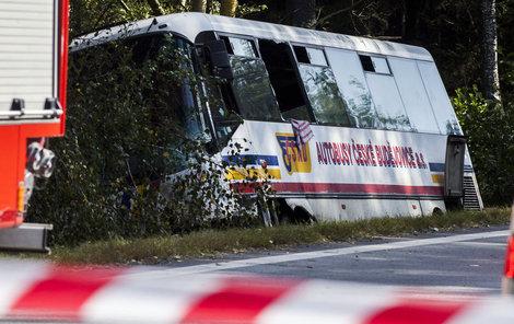 U Kaplice se srazil autobus vezoucí 31 dětí...