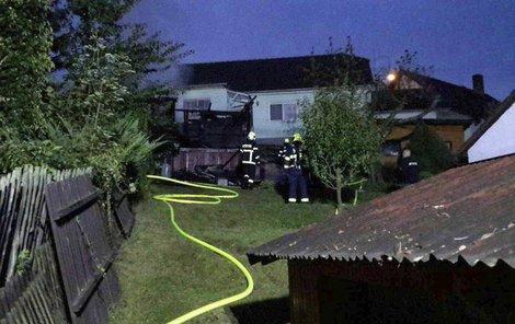 Požár zahradní chatky v Kynšperku nad Ohří.