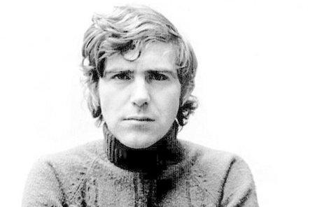 Jiří Hrzán zemřel 24. září 1980. Je stejný ročník jako např. Karel Gott.