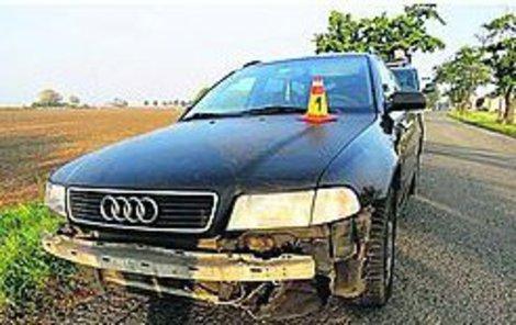 I s nabouraným autem pokračoval řidič v jízdě.