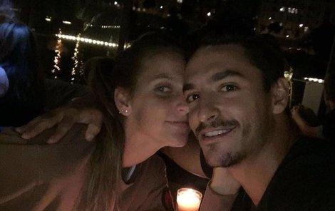 Karolína a Michal spolu chodí tři čtvrtě roku.
