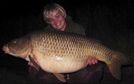 Její největší kousek byl kapr, který vážil 21,5 kg.