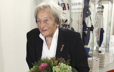 Zátopková je i v 94 letech vitální.