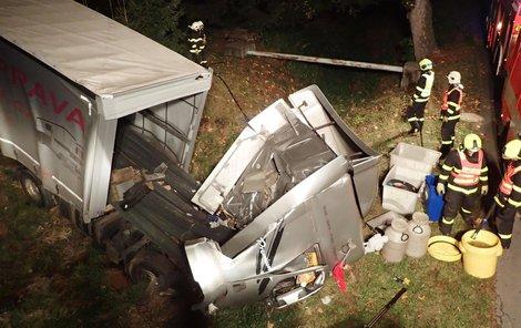 Kamioňák havaroval v Malé Štáhli na Rýmařovsku.