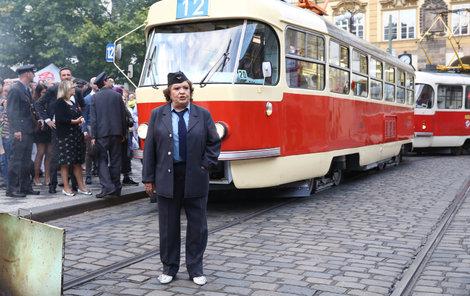 Jiřina Bohdalová se vrátila včase a opět byla Dámou na kolejích.