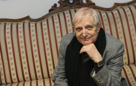 Jiří Suchý se zalekl a raději bude nyní odpočívat.