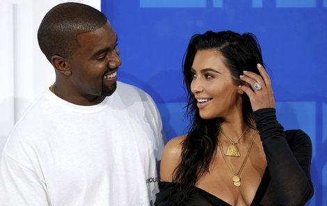 Kim Kardashian a Kanye West slaví!