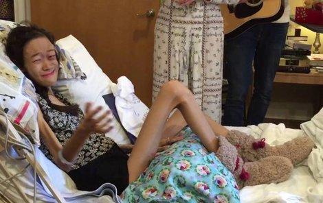 Karinya Chen svůj boj s rakovinou kostí prohrála minulý týden.