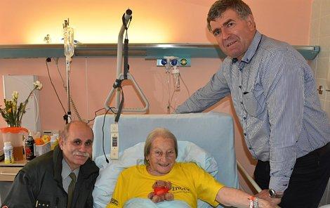 Zátopková chce být do dvou měsíců z nemocnice.