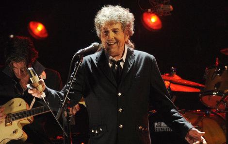 Bob Dylan není zrovna spisovatel, ale hudba je taky poezie.