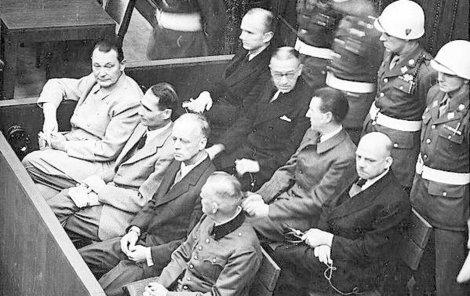 Oprátky pro 10 nacistických bestií…