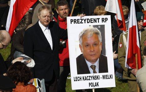 Stal se Lech Kaczyński přece jen terčem atentátu?