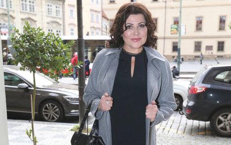 Ilona Csáková vypadá zdravě a chutně.