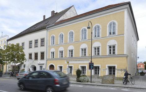Strhnou Hitlerův rodný dům!