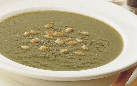 Krémovou rybí polévku zjemněte smetanou.