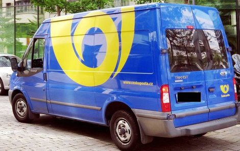Pneumatiky poslané poštou jsou problém pro zaměstnance i adresáty.